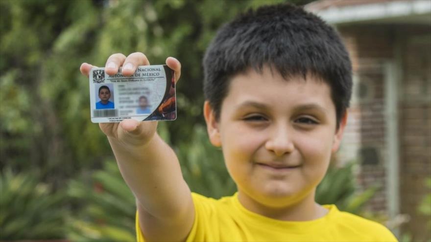 A boy of 12 years, the youngest university student in Mexico