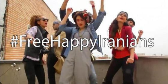 The revolution of women in Iran: they risk their lives and protest by dancing.